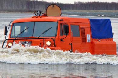 Вездеход ТТМ-3 ГР Тайга на воде